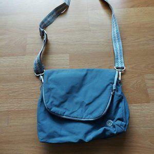 Lululemon Festival Bag - Light Wash Blue